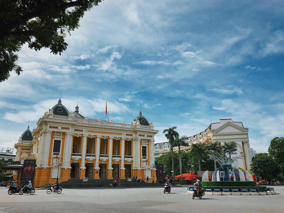 Hanoi Opera House Amber Lounge Vietnam GP